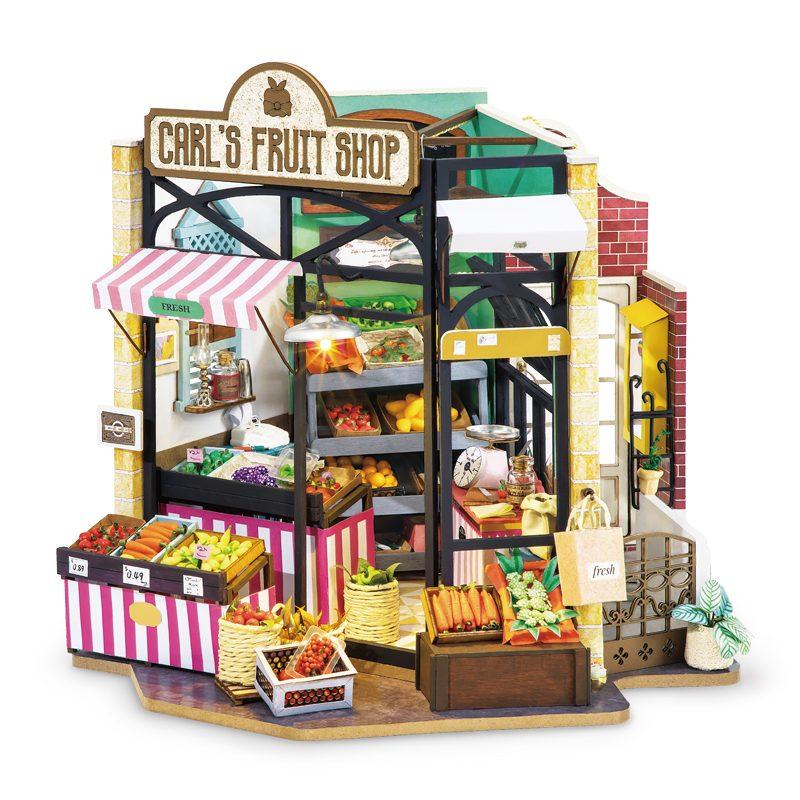 Carl's Fruit Shop DG142
